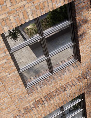 Okno Miru Steel