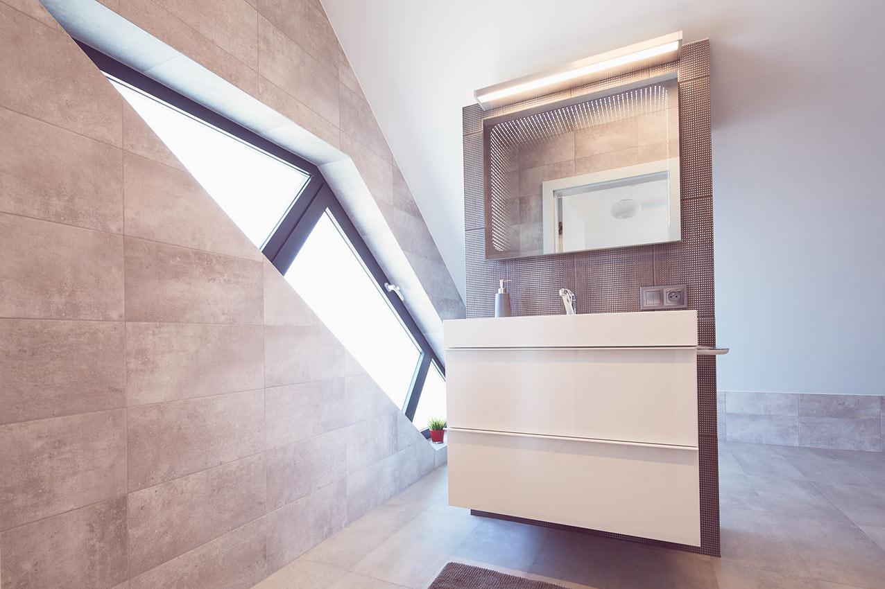 Okno aluminiowe w łazience - Aluhaus